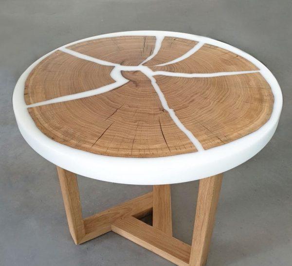 Oak Coffee Table: White Epoxy Resin, Polyurethane Varnish