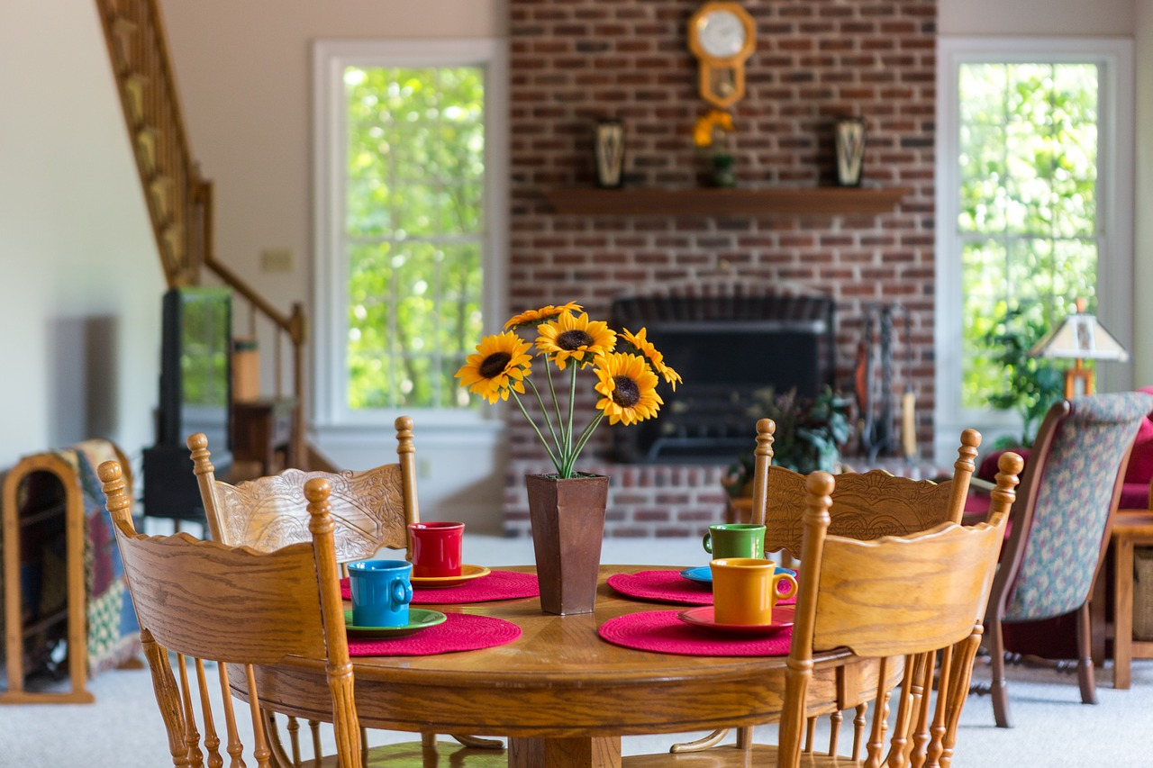 Is There One Size that Fits Any Solution for Dining Room Design?